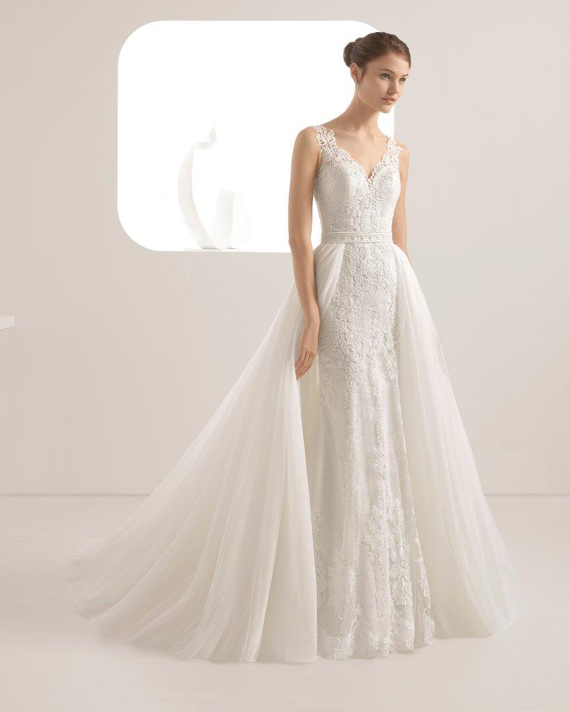 Đầm cưới đơn giản cổ sâu Marry