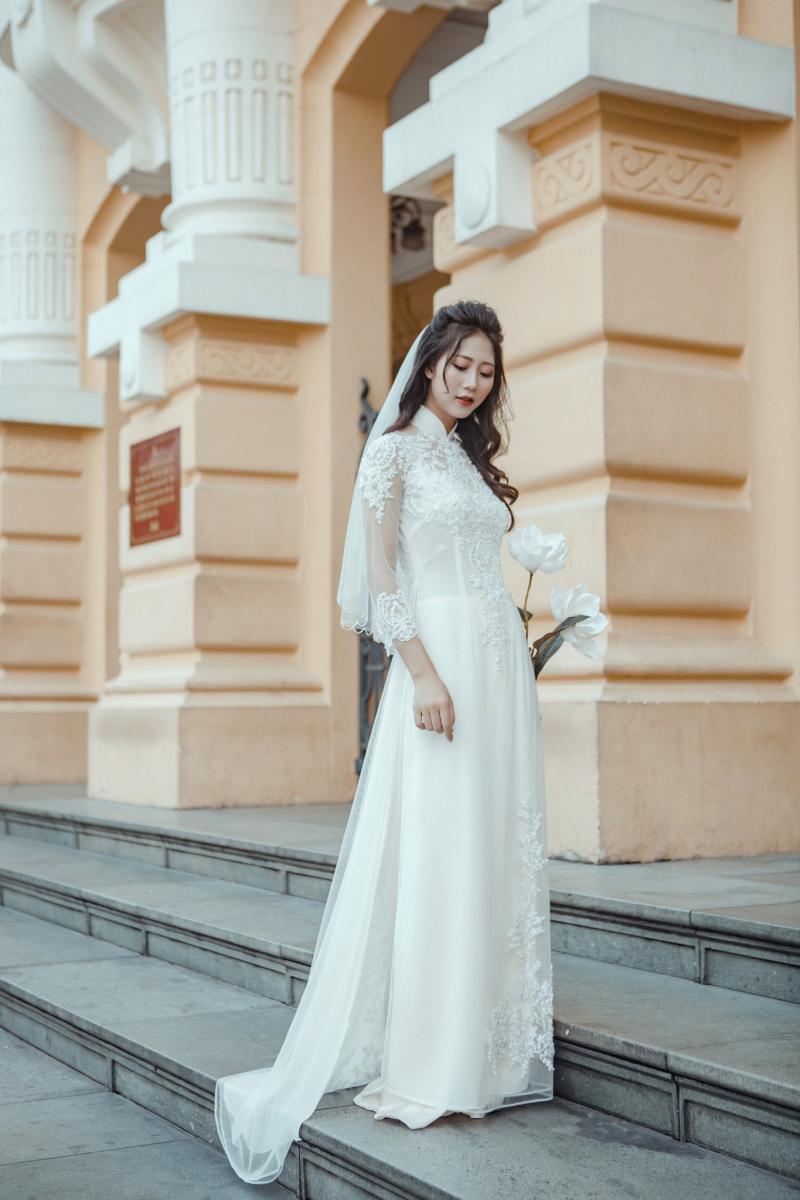 Quần của áo dài cưới đơn giản Marry