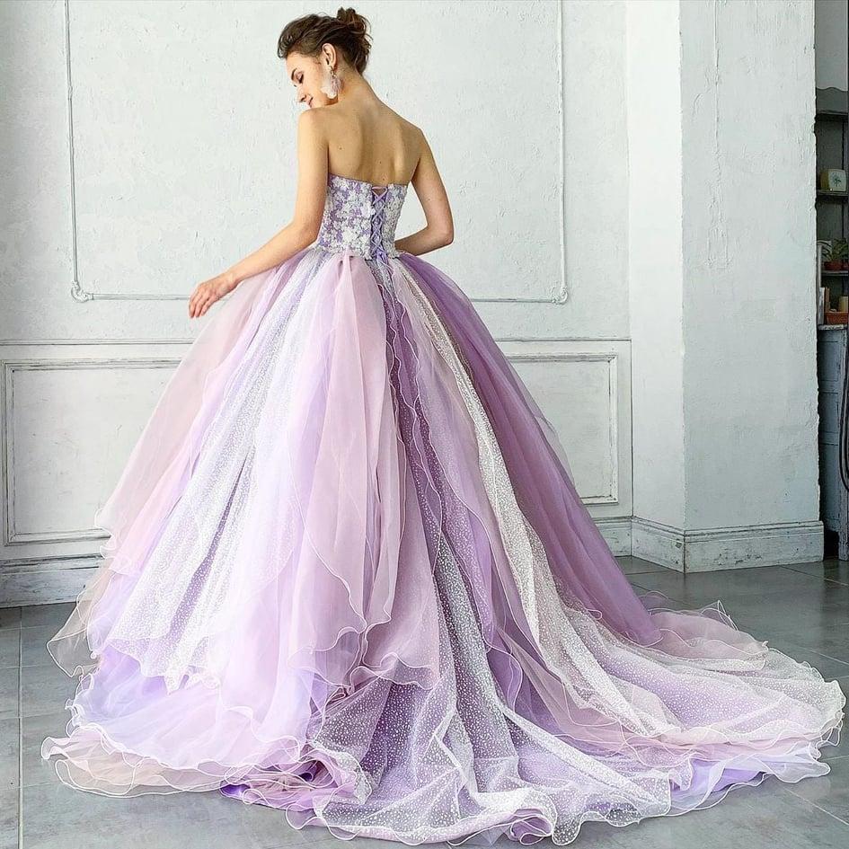8kiểu váy cưới sang trọngcho ngày hạnh phúccủa mỗi côdâu Marry