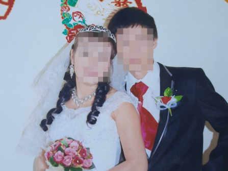"""Cha mẹ khóc cạn nước mắt """"cầu cứu"""" tìm con gái mất liên lạc sau khi lấy chồng Trung Quốc"""