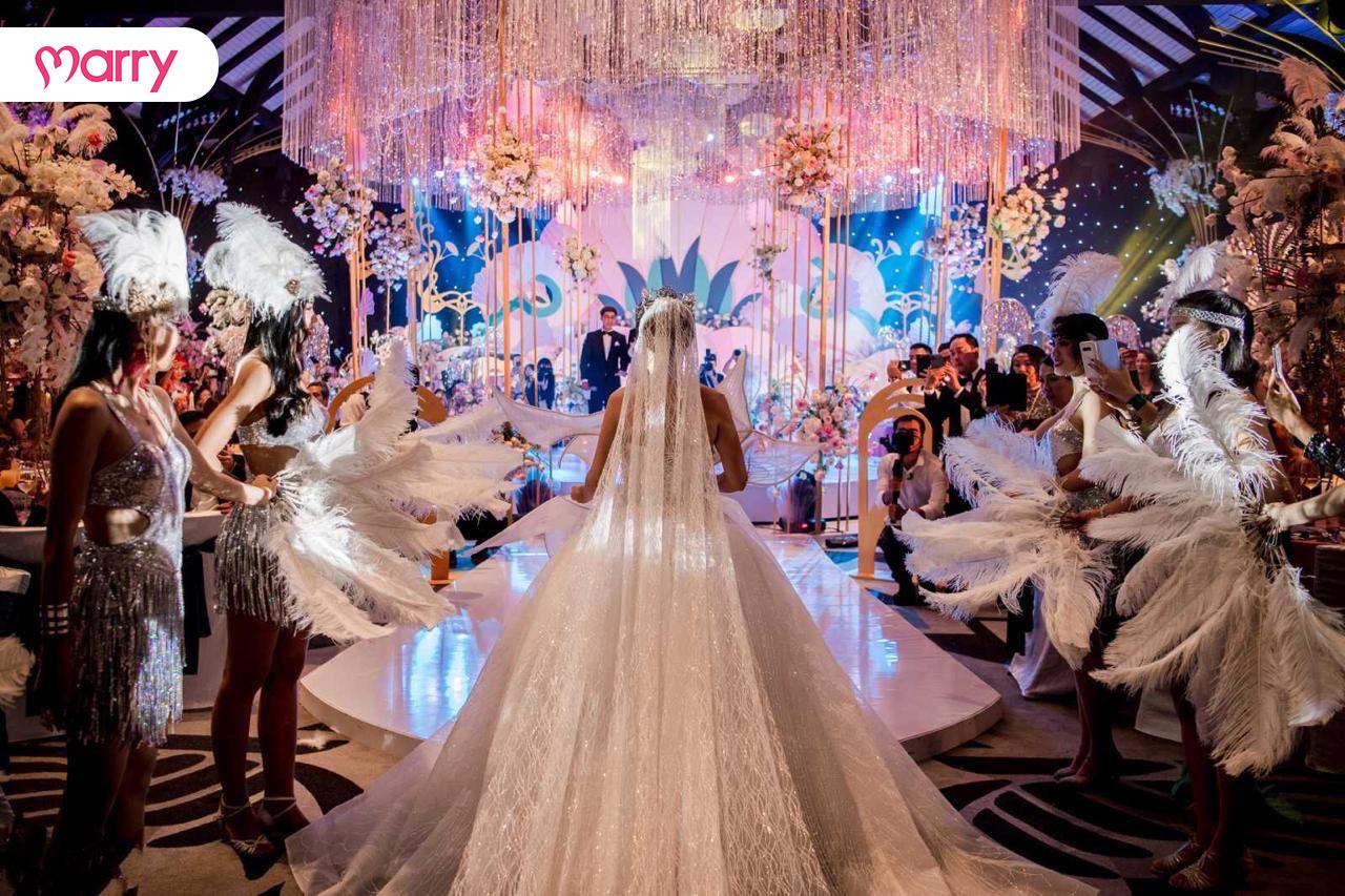 Đám cưới lộng lẫy trong hội trường Lamarck của JW Marriott Phu Quoc Emerald Bay Resort & Spa