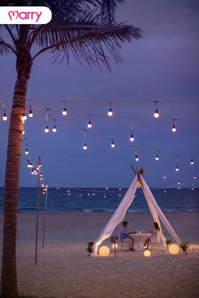 Một buổi ăn tối trong khung cảnh lãng mạn ngoài biển tại Sheraton Grand Danang Resort