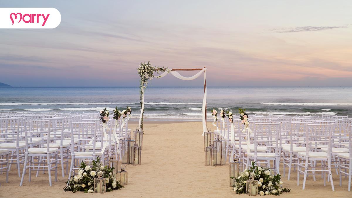 Đám cưới ngoài biển tại Sheraton Grand Danang Resort