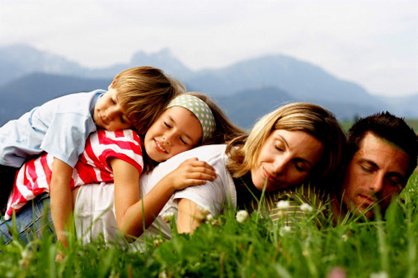 Hạnh phúc không phải nhà bạn rộng bao nhiêu, mà là trong nhà có bao nhiêu tiếng cười Marry