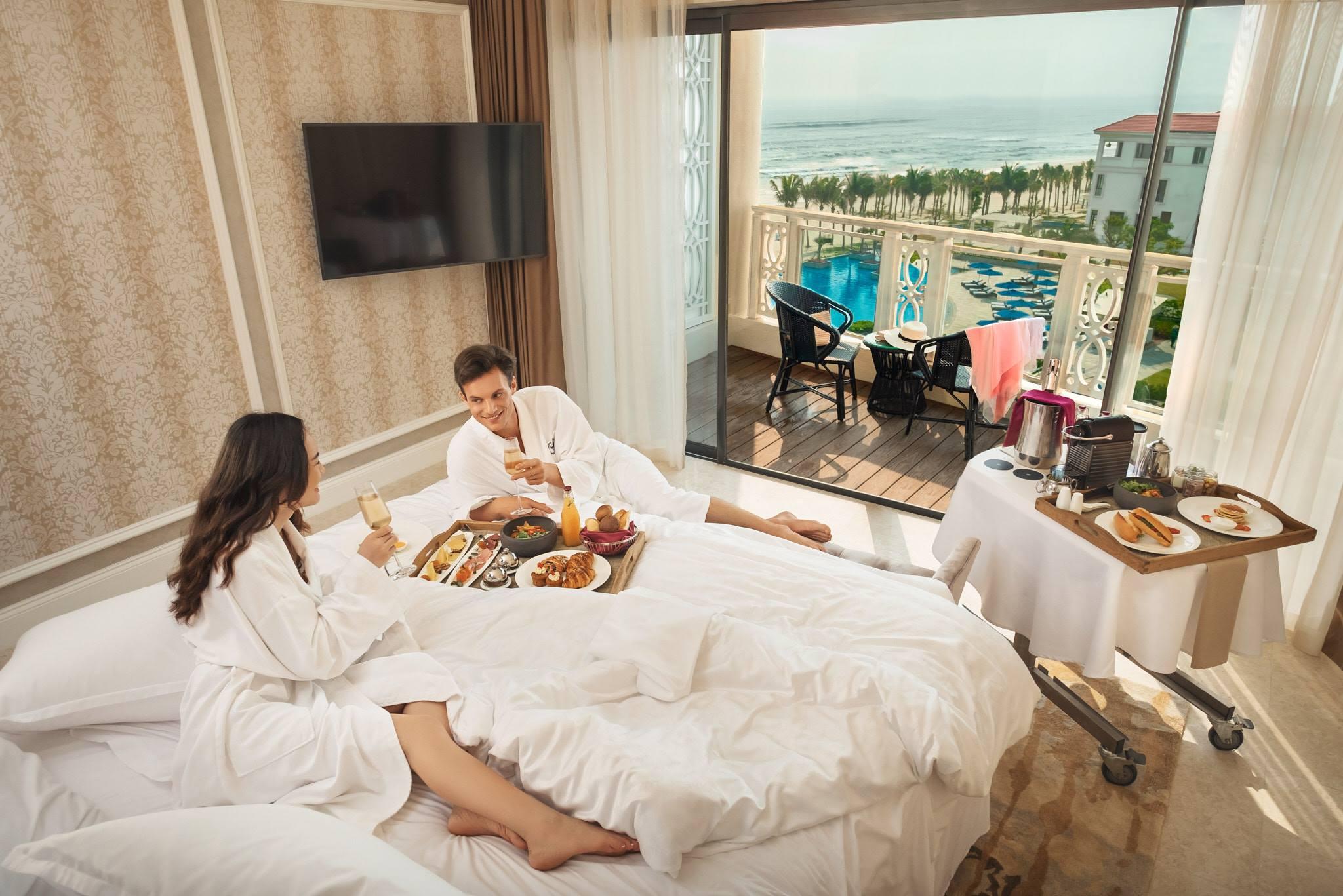 Tiệc cưới bãi biển - Phòng nghỉ tại Sheraton Grand Danang resort