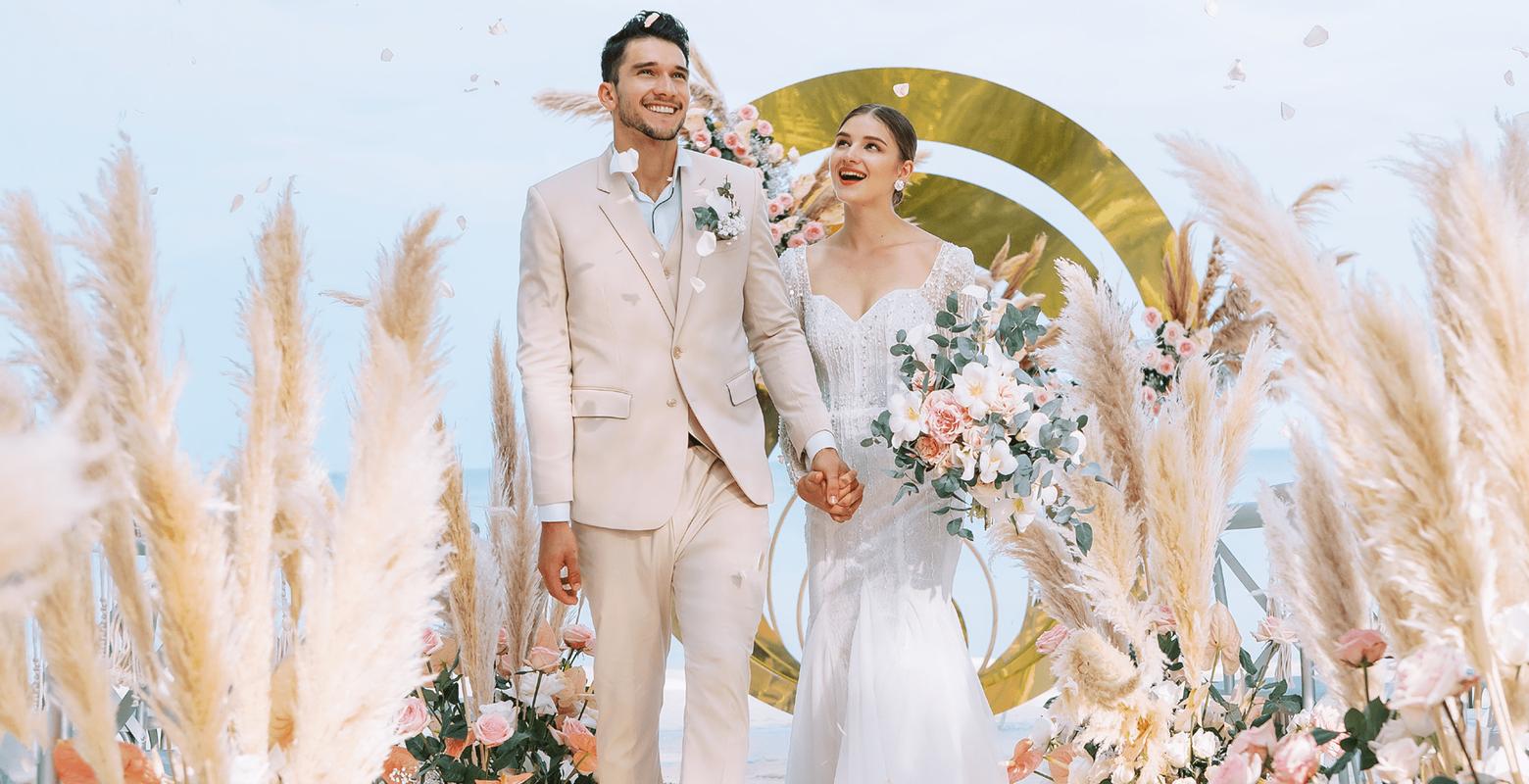 Tiệc cưới bãi biển tại JW Marriott Phu Quoc Emerald Bay Resort & Spa